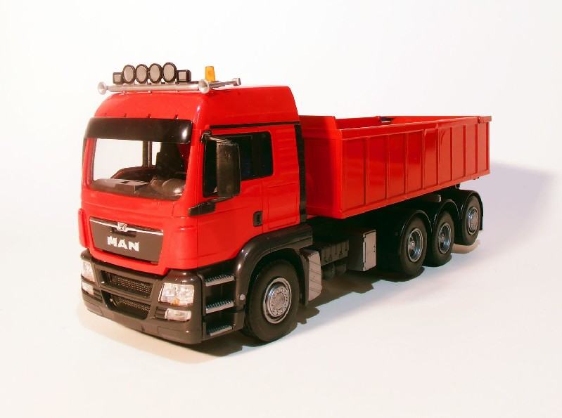 MAN TGS 8x4 met Afzetcontainer klein - Rood
