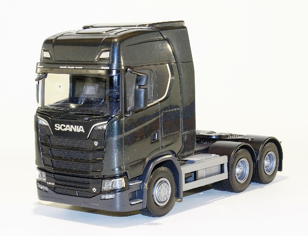 Scania CS650 V8 6x4 Zwart Metallic